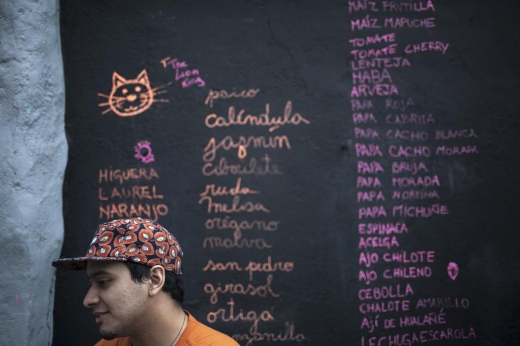"""Inauguración Exposición Colectiva y Lanzamiento """"Doméstica 2"""". Fotos de Javier Álvarez."""