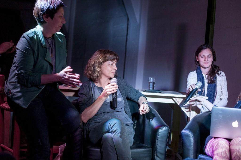 Diálogo entre Claudine Doury (Francia) y la psicoanalista Patricia Castillo (Chile). Fotos de Javier Alvarez.