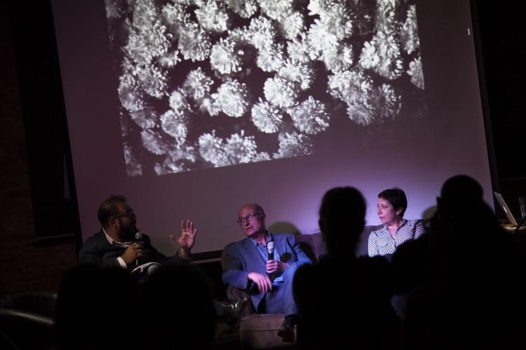 Diálogo entre Juan Manuel Castro Prieto (España) y Camilo Yáñez (Chile). Fotos de Patricio Miranda.